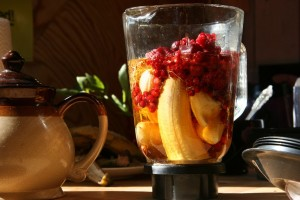 eat grains: smoothie in blender